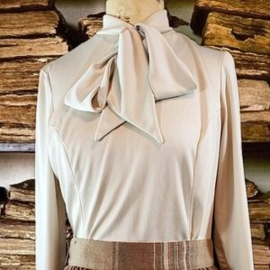 Vintage 1960s cream colored long sleeve top